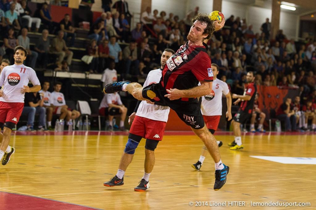 US IVRY - ANGERS (Lionel Hitier - www.lemondedusport.com)