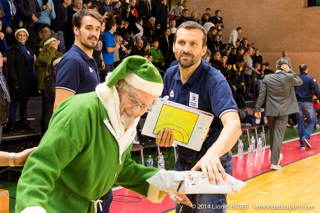 OPERATION DES PERES NOEL VERTS DEC. 2014 (Lionel Hitier - www.lemondedusport.com)