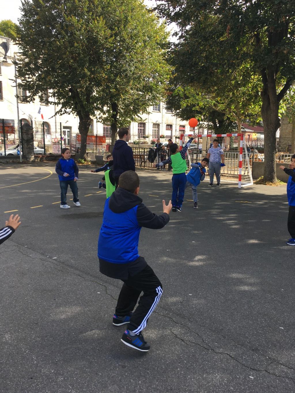 Activité Handball au WEEKEND MOHAMED ALI